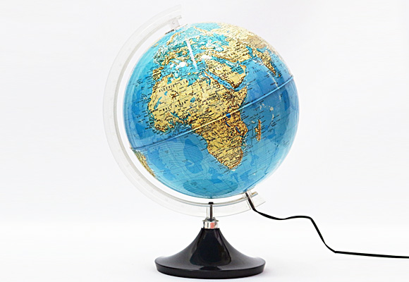 世界地図を読む2歳児
