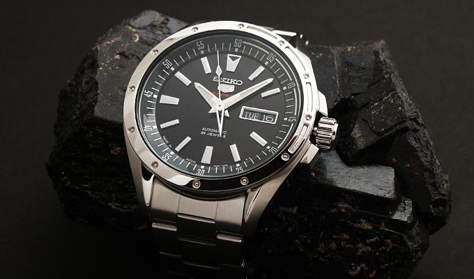 機械式腕時計「SEIKO 5」