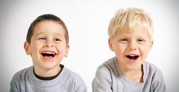 子供を笑わせるテクニック